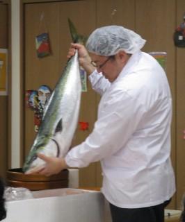 魚の解体ショー&寿司バイキング