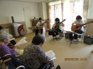 万葉の郷 ギターミニ演奏会開催♪