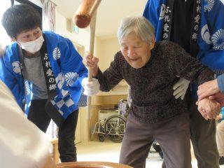 餅つき大会~♪ 特別養護老人ホーム 万葉の郷
